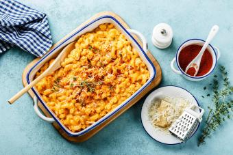Easy Mac and Cheese Casserole