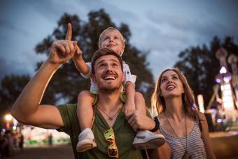 https://cf.ltkcdn.net/family/images/slide/280095-850x566-family-music-festival.jpg