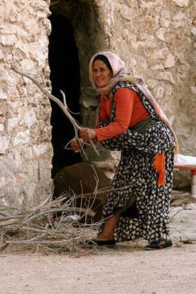 Tunisian woman in traditional dress