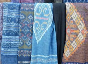 Hand-woven cotton and silk