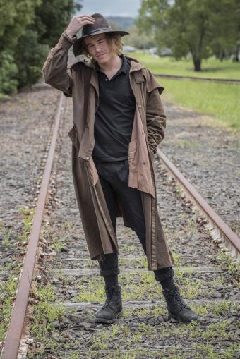 Australian man in traditional bush gear