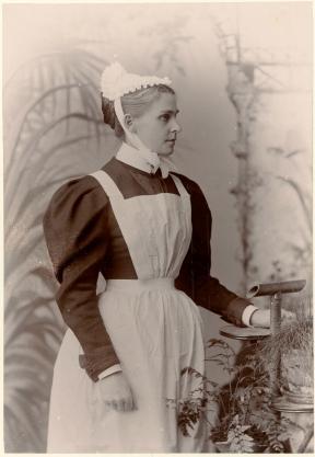victorian-vintage-servant-apron.jpg