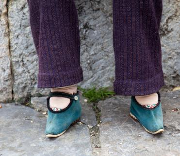bound feet
