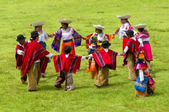 Ecuadorian traditional dancers