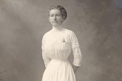 1908 woman in white dress