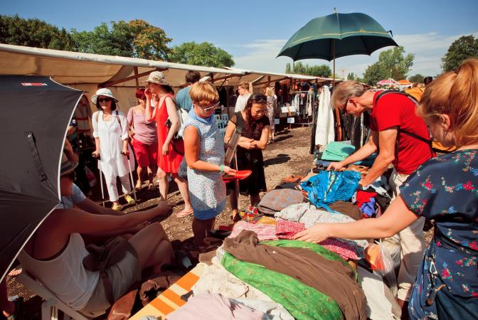Second-hand clothes market in Germany