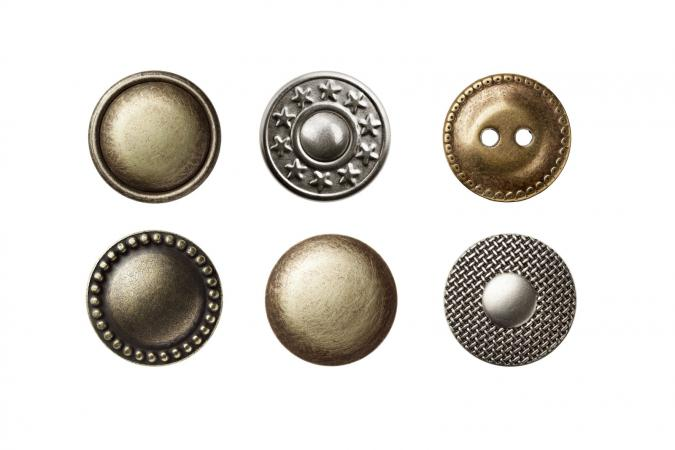 Steel buttons