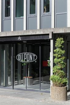 Du Pont offices