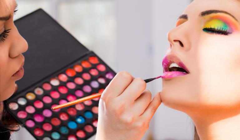 Beauty Fashion Business: Makeup Artists In The Fashion Industry