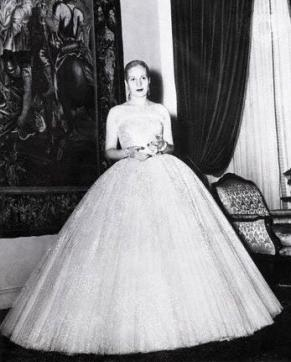 Eva Perón wearing a Dior dress