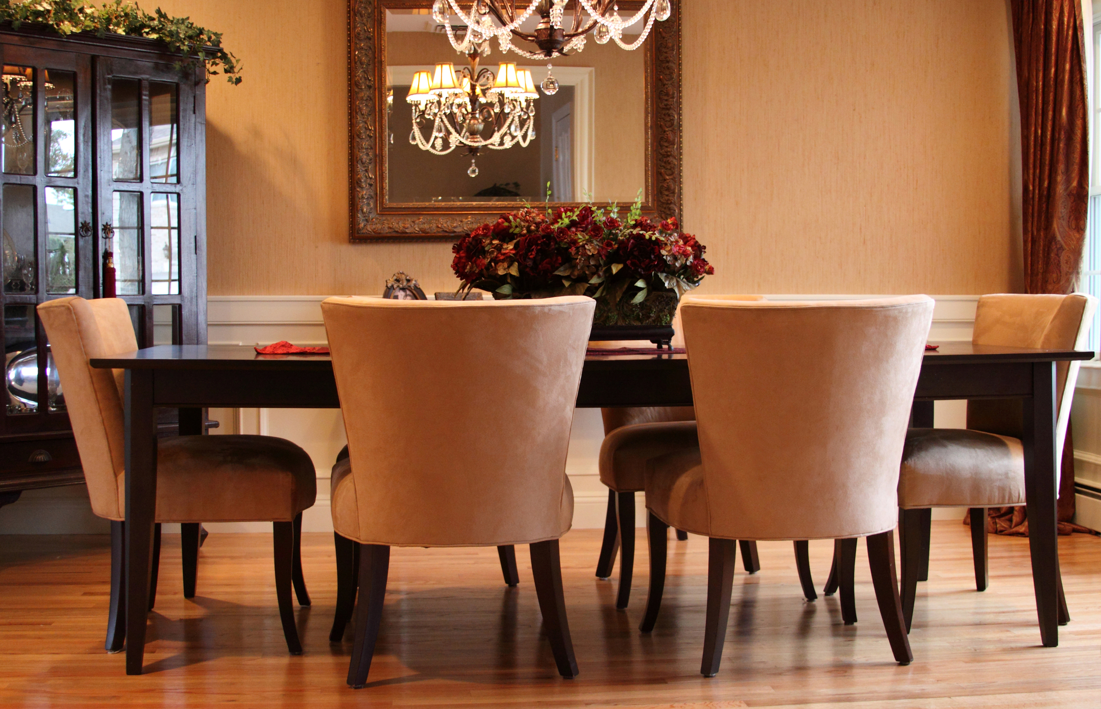 6 Best Colors For Your Dining Room According To Feng Shui Lovetoknow