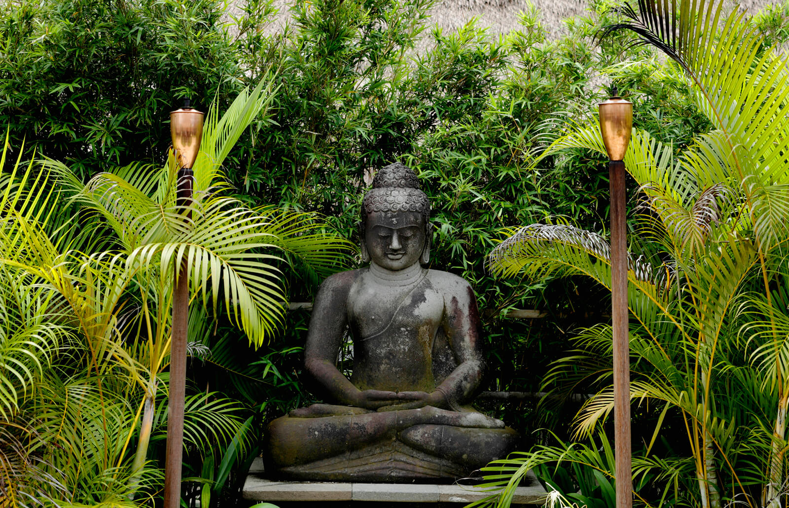 Choosing and Placing Outdoor Buddha Statues | LoveToKnow