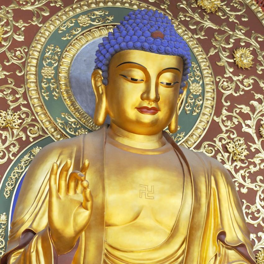 https://cf.ltkcdn.net/feng-shui/images/slide/239139-850x850-Buddha-at-Lingyin-temple.jpg
