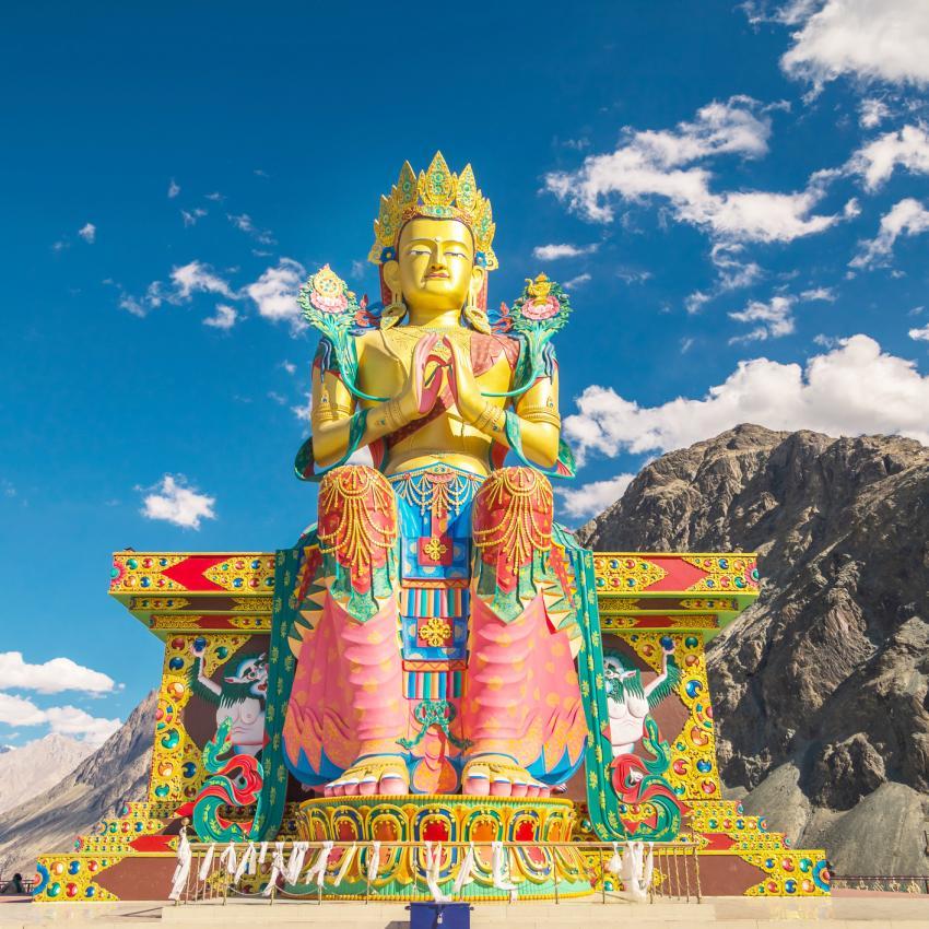https://cf.ltkcdn.net/feng-shui/images/slide/239146-850x850-The-Maitreya-Buddha-of-Diskit-.jpg