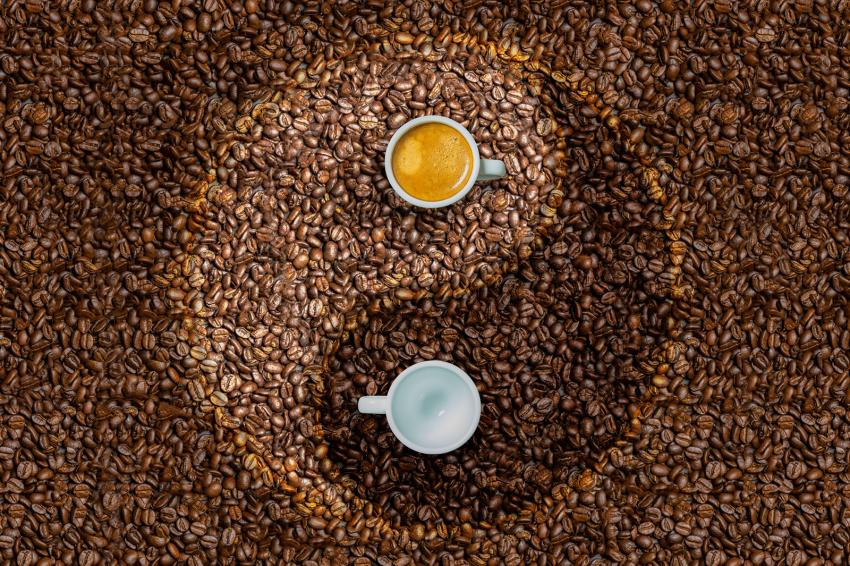 https://cf.ltkcdn.net/feng-shui/images/slide/247650-850x566-coffee-yin-yang.jpg