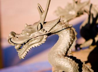 https://cf.ltkcdn.net/feng-shui/images/slide/107310-808x594-Life-and-Vigor-Dragon.jpg