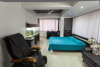https://cf.ltkcdn.net/feng-shui/images/slide/179912-850x566-aquarium-in-bedroom.jpg
