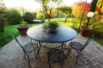 Garden patio with earth elements