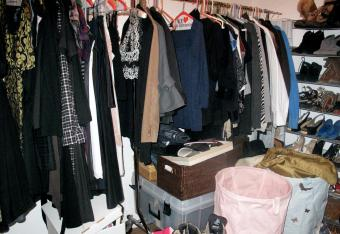 Why Cluttered Closets Are Bad Feng Shui