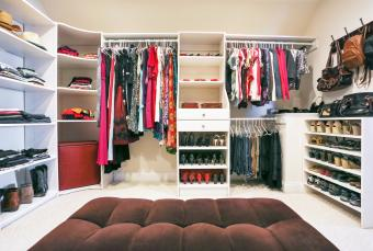 Clear Closet Clutter With Feng Shui