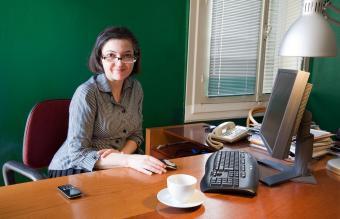 Experienced secretary looking helpful