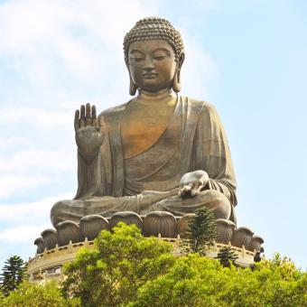 https://cf.ltkcdn.net/feng-shui/images/slide/239140-850x850-Tian-Tan-Buddha.jpg