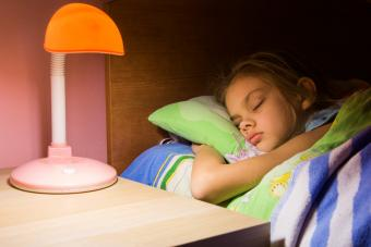Child's bedroom table lamp