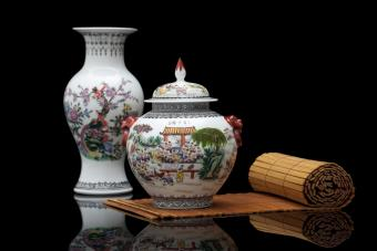 Using a Feng Shui Wealth Vase to Bring Prosperity