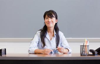 type of teacher desk