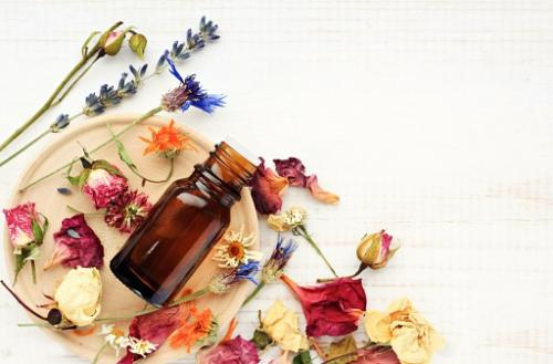 How to Use Essential Oils for Good Luck | LoveToKnow