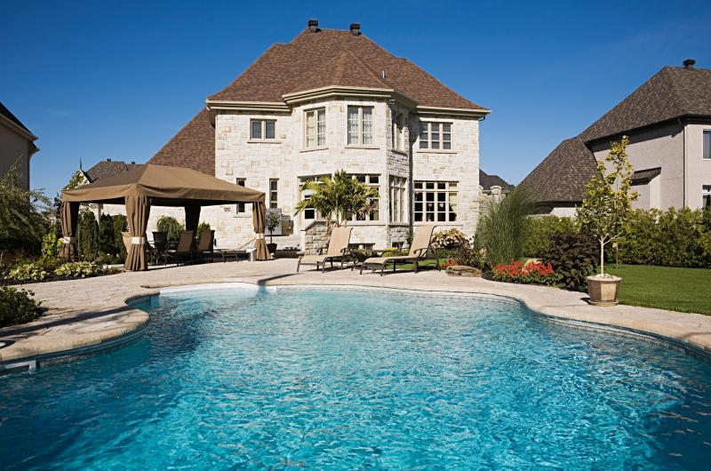 Feng Shui Considerations For Your Backyard Pool Lovetoknow