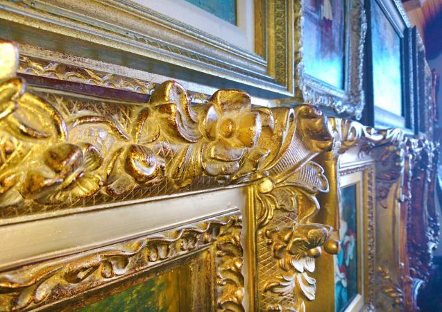 Gold gilded picture frame detail