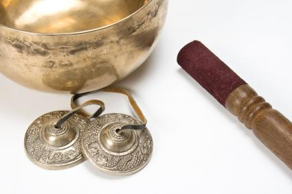 Singing bowl and Tibetan tingshas