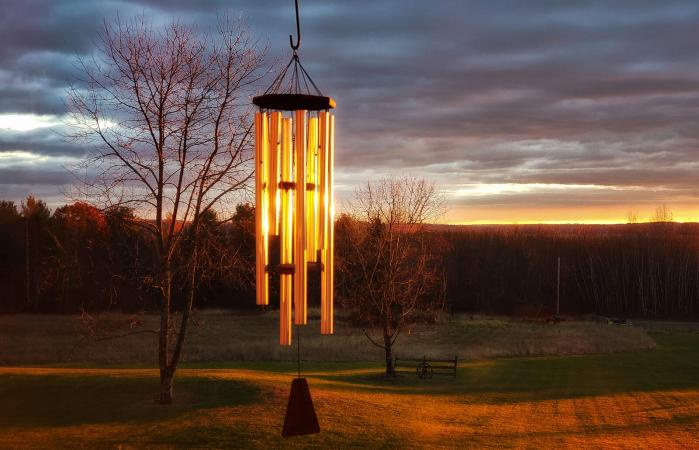 Metal wind chimes