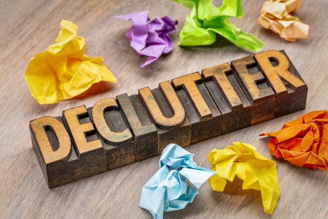 Declutter wooden sign