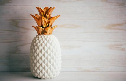 Decorative ceramic pineapple