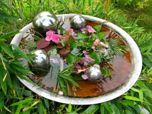 Feng shui garden elements