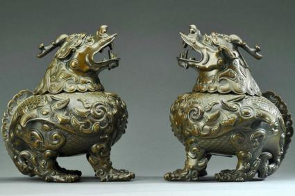 A pair of pixiu censors from Qianlong period