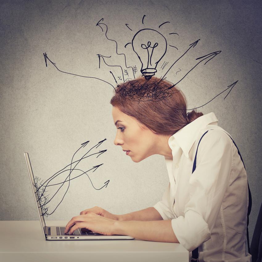 https://cf.ltkcdn.net/freelance-writing/images/slide/207473-850x850-Woman-typing-on-computer.jpg