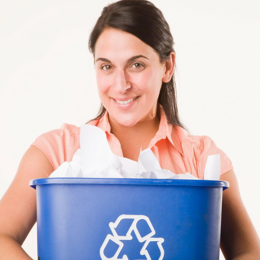 https://cf.ltkcdn.net/freelance-writing/images/slide/207478-850x850-Recycling-image.jpg
