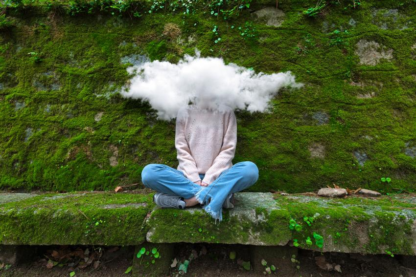 https://cf.ltkcdn.net/freelance-writing/images/slide/248026-850x567-woman-with-head-in-the-clouds.jpg