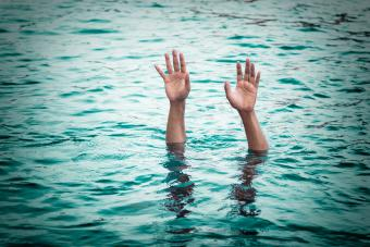 https://cf.ltkcdn.net/freelance-writing/images/slide/245691-850x567-arms-reaching-out-of-water.jpg