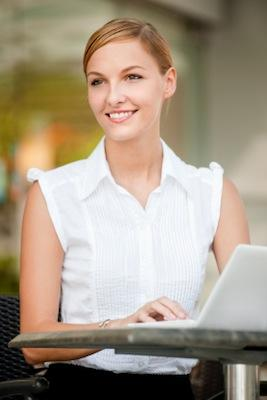 Woman_with_laptop.jpg