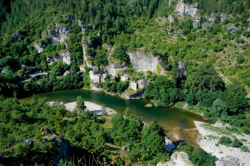 https://cf.ltkcdn.net/french/images/slide/124673-849x565-Gorge-du-Tarn-Languedoc.jpg