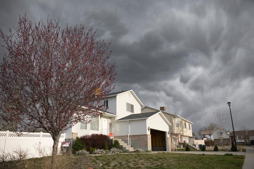 https://cf.ltkcdn.net/french/images/slide/124717-850x565-storm.jpg
