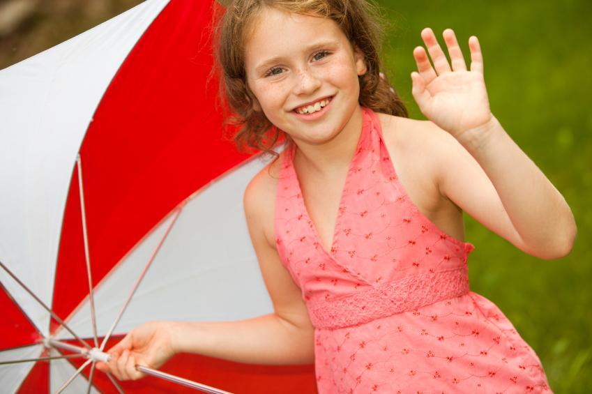 https://cf.ltkcdn.net/french/images/slide/124807-849x565-umbrella-girl.jpg