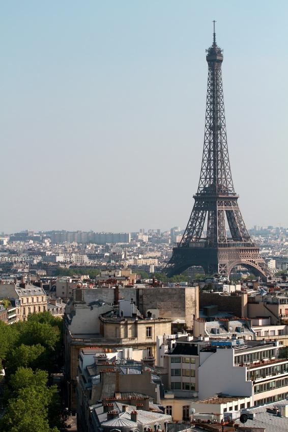 https://cf.ltkcdn.net/french/images/slide/135956-566x848r1-eiffeltowermonument.jpg
