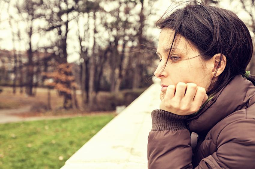 https://cf.ltkcdn.net/french/images/slide/184953-849x565-girl-looking-depressed.jpg