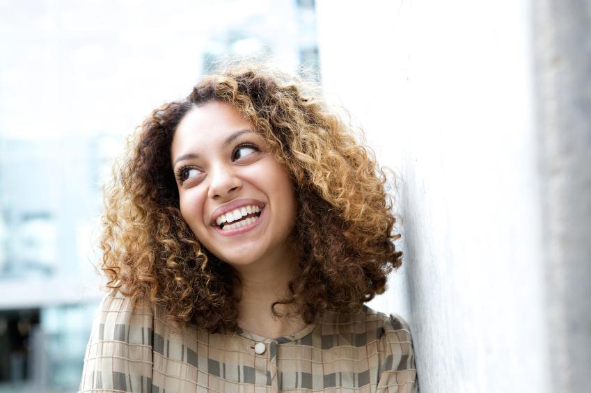 https://cf.ltkcdn.net/french/images/slide/184958-849x565-woman-looking-off-to-side.jpg