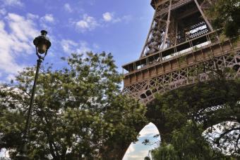 https://cf.ltkcdn.net/french/images/slide/136138-846x567r1-Eiffeltowerpaint.jpg